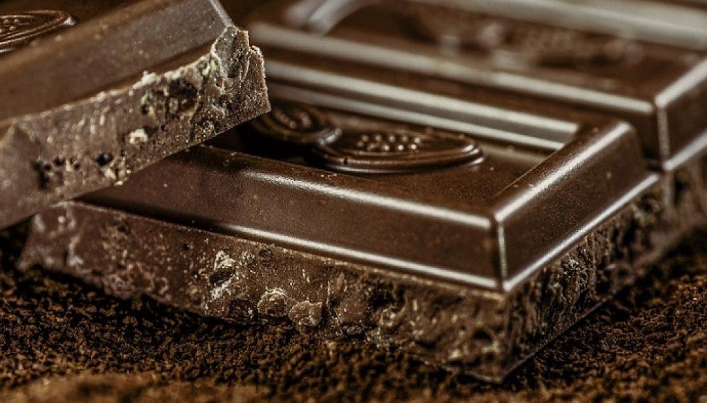 julie-et-la-chocolaterie-par-enjeu-de-lado